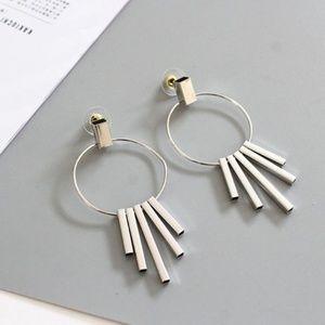 UO Geometric 5 Bars Loop Earrings